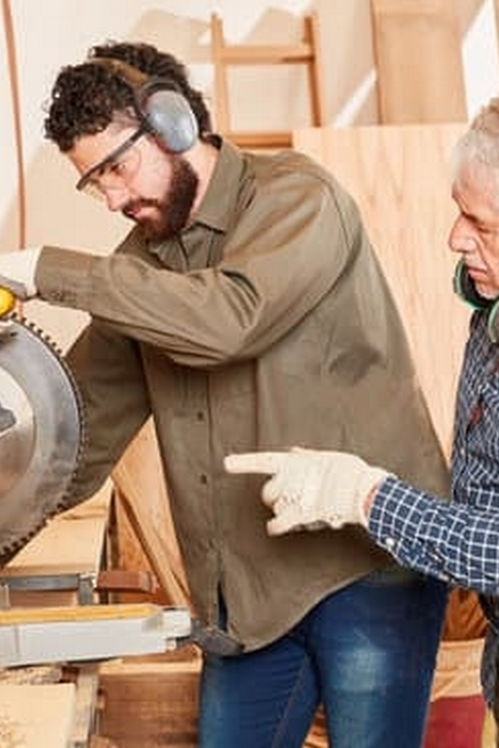 where to find diy woodworking ideas